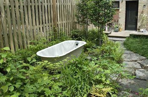 Backyard Bathtub by Home Redesign Project In Modern Kitchen And Backyard Ideas