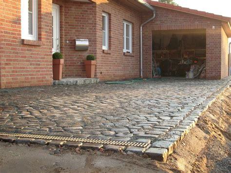 hof garageneinfahrt aus naturstein basalt