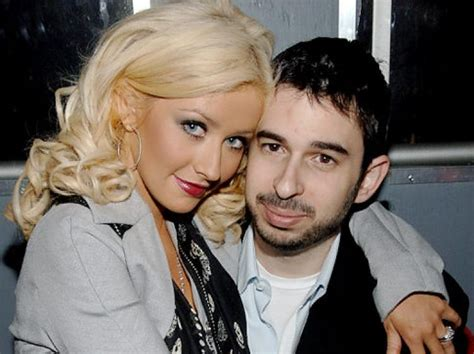 Aguilera Bratman To Host New Years by Aguilera It Feels Impossible To Get Out Of Bed