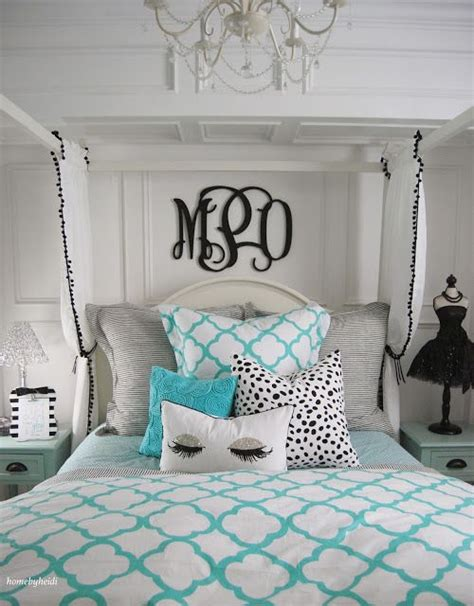 tiffany blue teenage bedroom 1000 ideas about tiffany inspired bedroom on pinterest