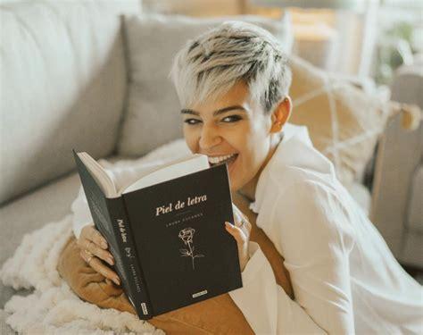 libro laura ayuda a su laura escanes el nuevo peinado que dice adi 243 s al rubio platino