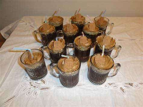 beer cupcakes frosty mug root beer cupcakes eric s gourmet root beer blog