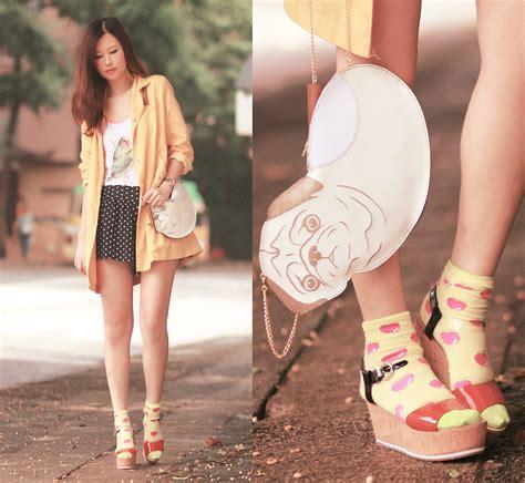 pug socks h m mayo wo yesstyle yellow jacket bird tank uuendy lau pug purse h m apple