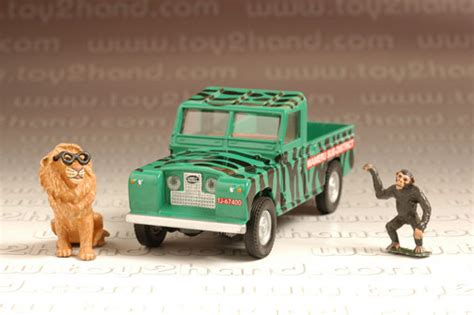 land rover daktari diecast car corgi classic no 07104 daktari land rover