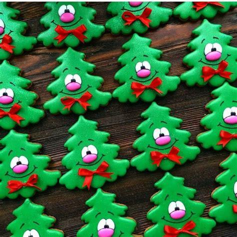 christmas tree cookies royal icing cookies pinterest