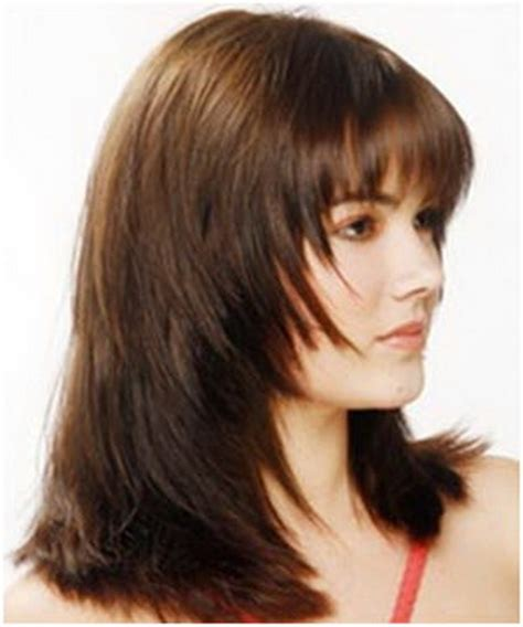 hair styles cut hair in layers and make curls or flicks graduated layered haircut