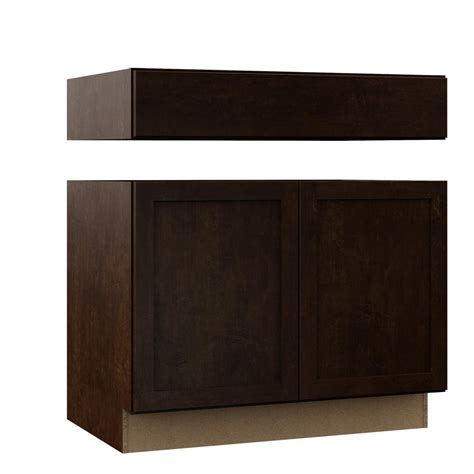 assembled 36x34 5x24 in sink base kitchen cabinet in hton bay shaker assembled 36x34 5x24 in accessible