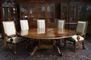 Round Dining Room Tables For 12 Using Round Dining Tables Pros And Cons Traba Homes