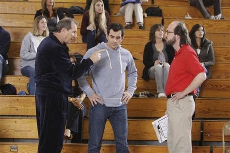 modern family benched modern family 1x20 benched riassunto foto e video