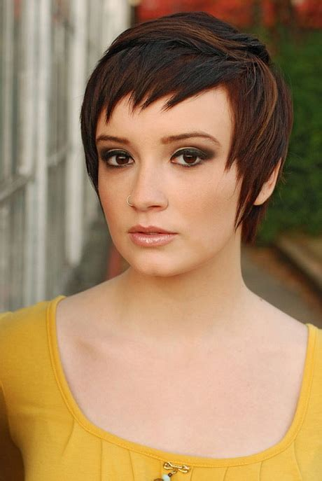 pictures of piecy bangs super cute pixie haircuts