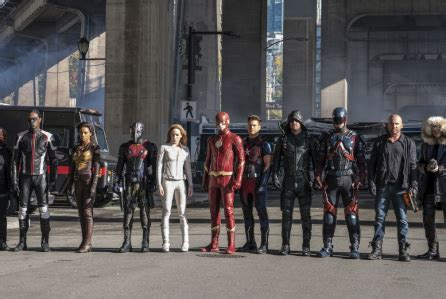 'the flash' & 'legends of tomorrow' ends cw crossover with