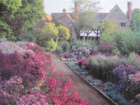 arts in the garden garden in european culture gertrude jekyll and edwin