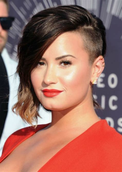 Demi Lovato Hairstyle by Top 32 Demi Lovato S Hairstyles Haircut Ideas For You To Try