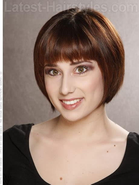 haircuts that help to take the eyes away from jowls short brunette hairstyles