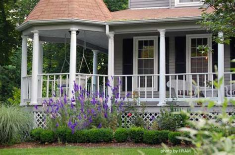Landscape Ideas Around Front Porch Get Ready To Landscape Your Entrance Discover The Day
