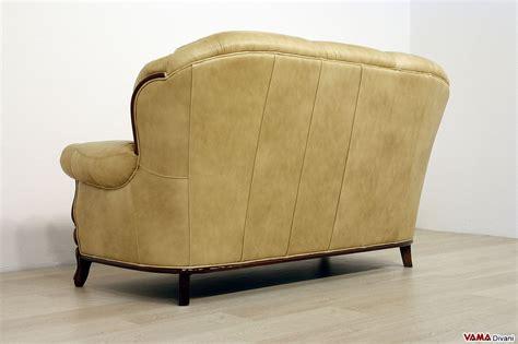 divano classico pelle divano in legno e pelle con cornice in stile classico