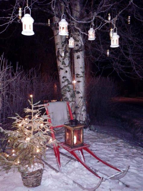 weihnachtsdeko im garten  ideen mit weihnachtskugeln