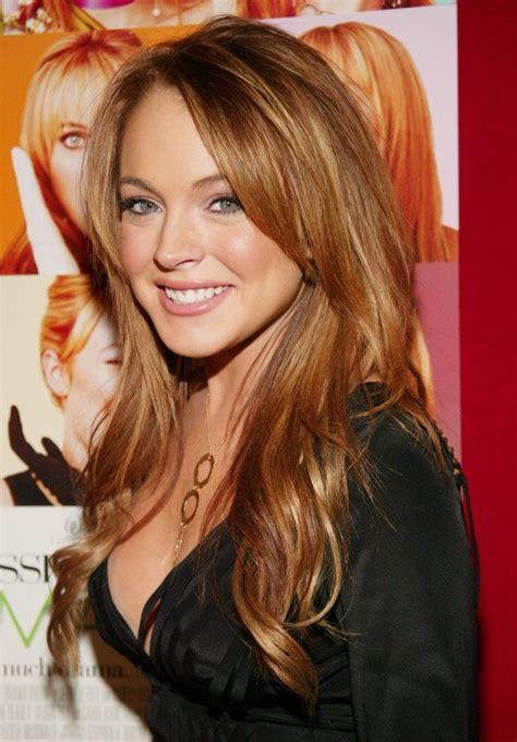 lindsay lohan with medium ash blonde hair very long and curly source hairstyles7 net lindsay lohan when she was super cute and the hottest