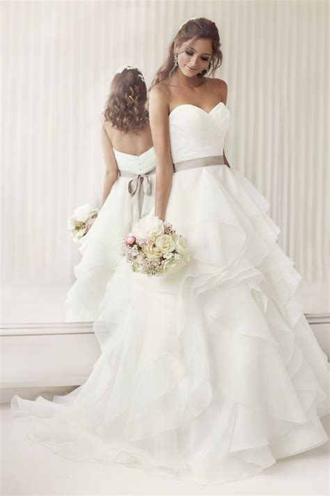 Simple Wedding Dresses by 20 Simple Wedding Dresses