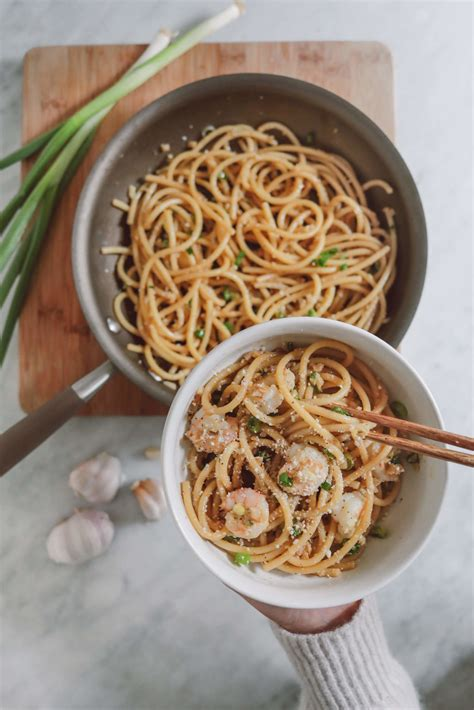 easy addictive asian garlic noodles recipe