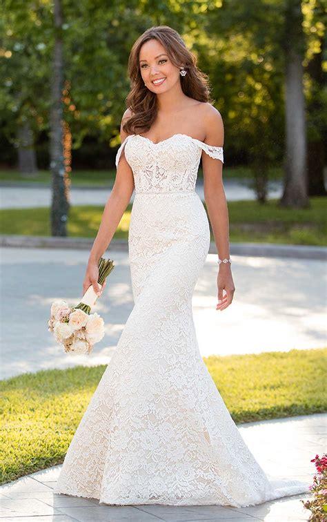 chic wedding dress    shoulder sleeves stella york
