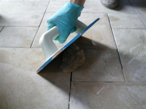 stuccare piastrelle stuccare le fughe di un pavimento il miglior sistema