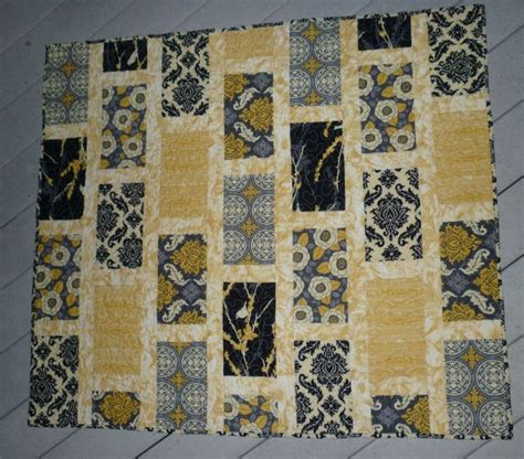 Black And Gray Quilts by 1000 Images About Quilt Black Yellow Grey On