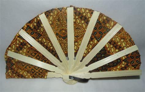 Souvenir Kipas Batik Kecil 1 kipas batik kecil