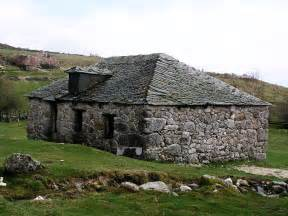 stein auf stein haus file house spain01 jpg wikimedia commons