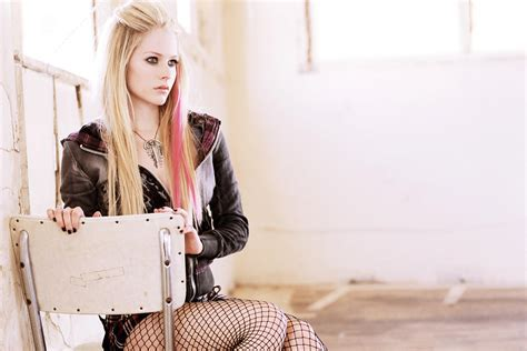 Avril Lavigne Wallpapers, Pictures, Images