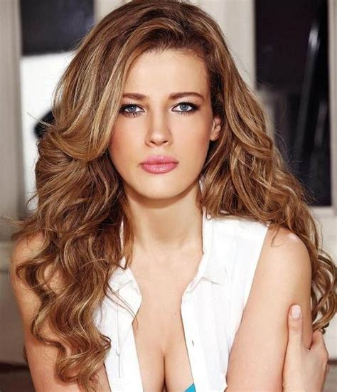 celebrity hairstyles color highlights light highlights in brown hair celebrity