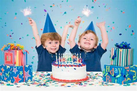 imagenes graciosas de cumpleaños de gemelos organiza un cumplea 241 os para gemelos una fiesta