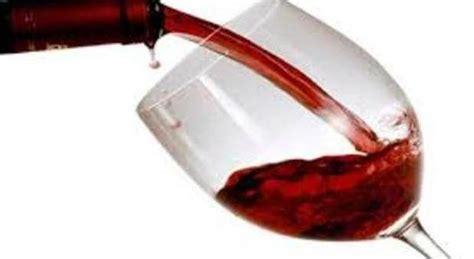 bicchieri vino rosso vino rosso un bicchiere al giorno allunga la vita di pi 249