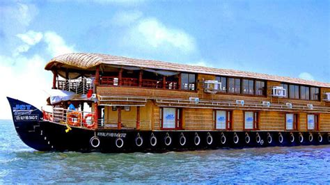 kerala boat house price for honeymoon package kerala tour packages from bhubaneswar with price all