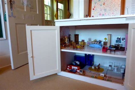 8 unique items to turn into dollhouses