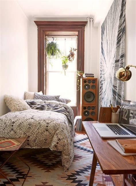 small cosy bedroom best 25 cozy small bedrooms ideas on pinterest small