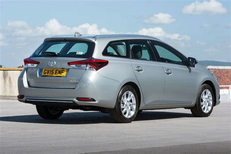 toyota sports toyota auris touring sports 2013 car review honest john
