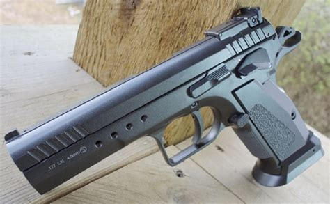 Kwc Jericho 177 Co2 kwc model 75 tac blowback bb pistol table top review