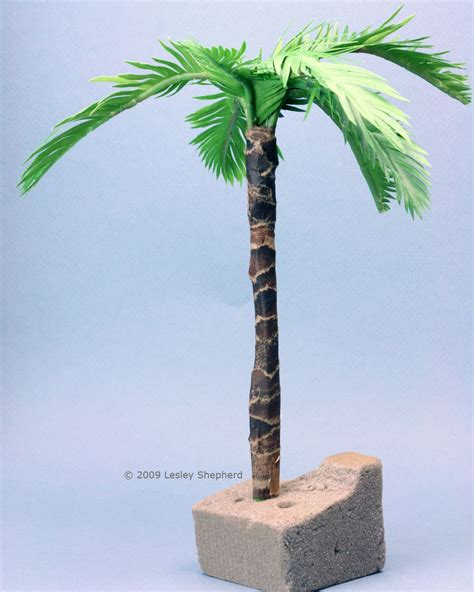 How To Make Palm Trees Out Of Paper - make tiny realistic palms from paper or fabric