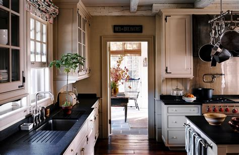 Carolina Country Kitchen - looking for a new old house wsj