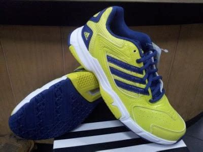 Sepatu Badminton Adidas Original running tenis badminton basket sepatu running