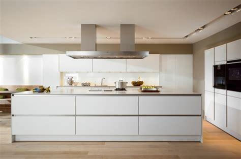 küche gemauert bilder k 252 che wei 223 e k 252 che beige fliesen wei 223 e k 252 che beige