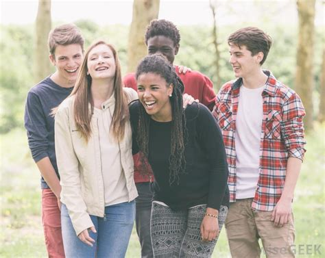 group teen girls laughing what is colloquial language with pictures