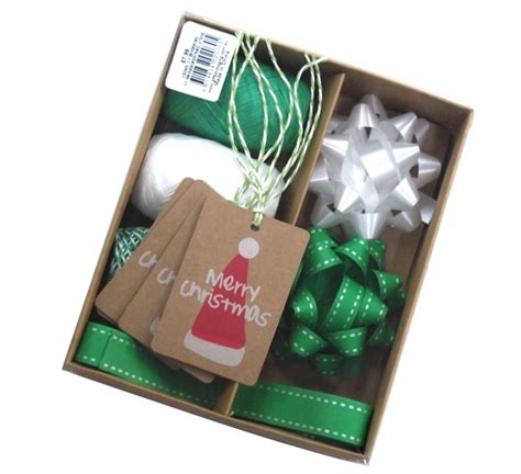 christmas gift wrap set green white
