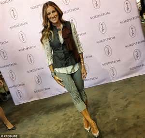 Designer Fans sarah jessica parker is perfect mix of chic and casual in