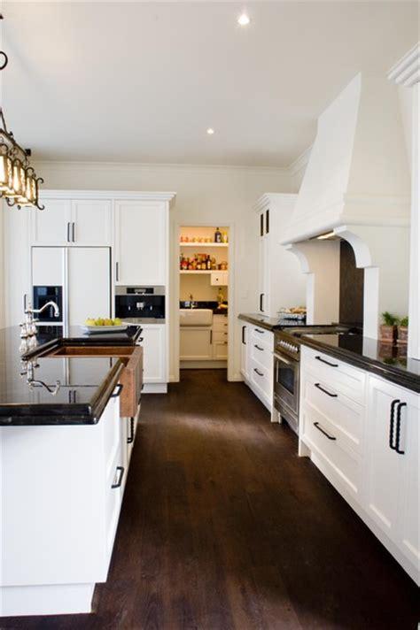 spanish style kitchen cabinets spanish style