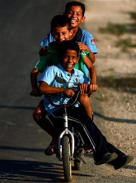 imagenes niños manejando bicicleta ni 241 os en bici imagui