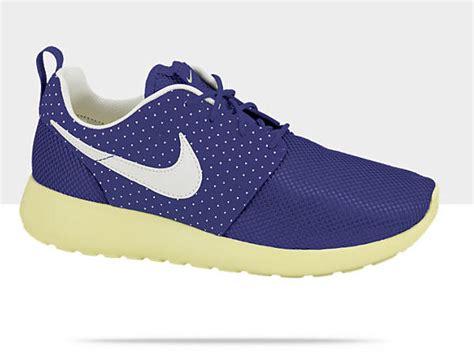 Ransel Nike Livestrong 01 Blue nike wmns roshe run royal blue sail electric yellow sneakerfiles