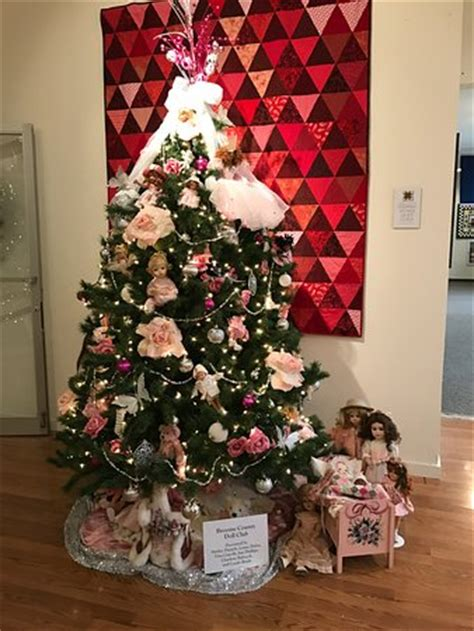 christmas trees on southside of binghamton tree decorated with dolls picture of roberson museum and science center binghamton