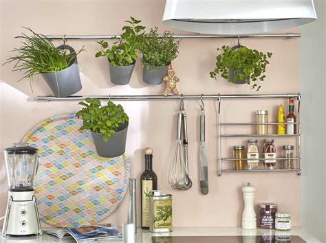 accessoires de cuisines poubelle tabouret et accessoires de cuisine range